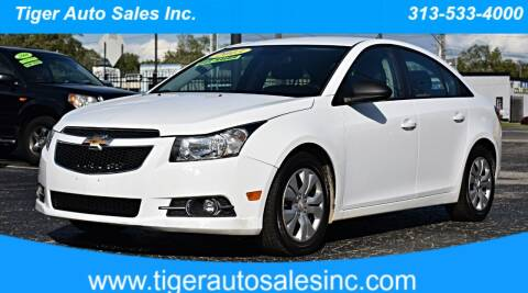 2013 Chevrolet Cruze for sale at TIGER AUTO SALES INC in Redford MI
