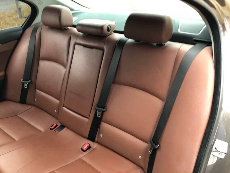 2011 BMW 5 Series AWD 535i xDrive 4dr Sedan - Bettendorf IA