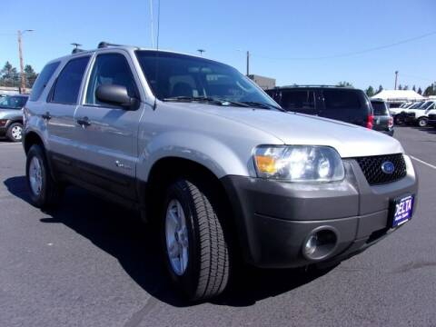 2005 Ford Escape for sale at Delta Auto Sales in Milwaukie OR