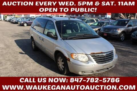 2005 Chrysler Town and Country for sale at Waukegan Auto Auction in Waukegan IL