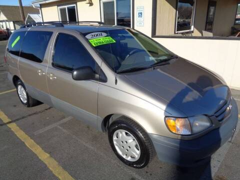 2001 Toyota Sienna for sale at BBL Auto Sales in Yakima WA