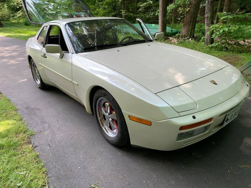 1986 Porsche 944 for sale at Volpe Preowned in North Branford CT