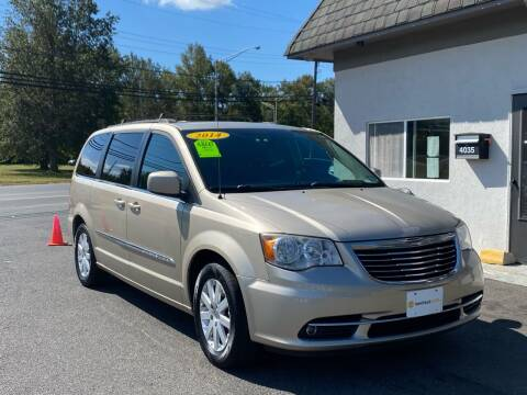2014 Chrysler Town and Country for sale at Vantage Auto Group in Tinton Falls NJ