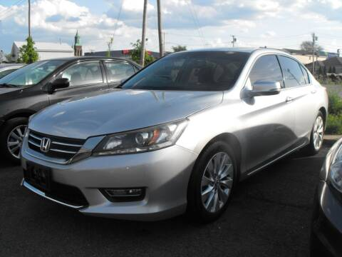 2013 Honda Accord for sale at Merrimack Motors in Lawrence MA