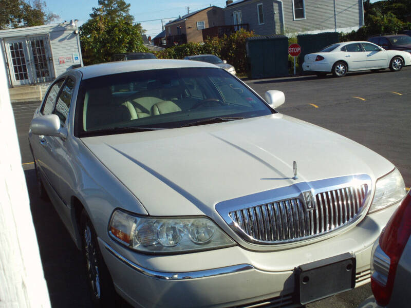 2006 Lincoln Town Car for sale at Marlboro Auto Sales in Capitol Heights MD