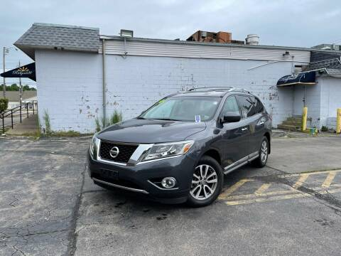 2014 Nissan Pathfinder for sale at Santa Motors Inc in Rochester NY