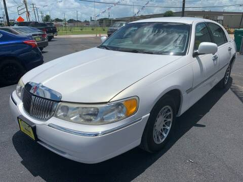 2000 Lincoln Town Car for sale at Rock Motors LLC in Victoria TX