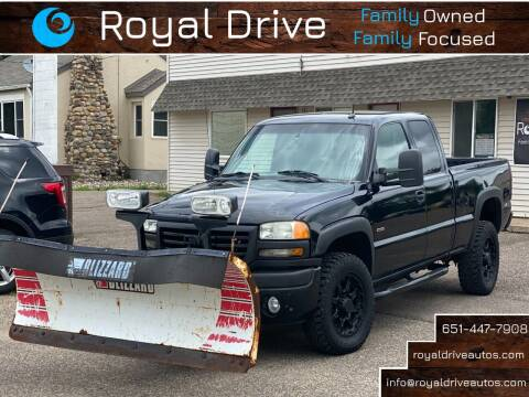 2005 GMC Sierra 2500HD for sale at Royal Drive in Newport MN