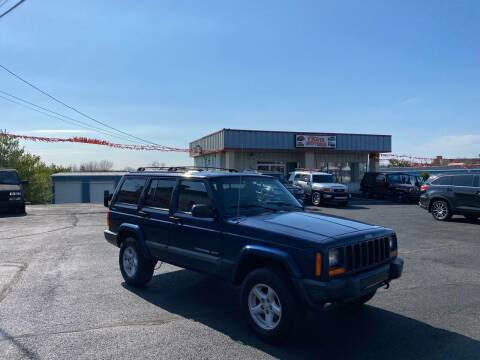 2001 Jeep Cherokee for sale at FIESTA MOTORS in Hagerstown MD