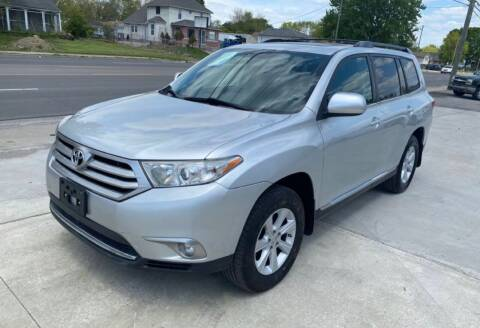 2012 Toyota Highlander for sale at Tiger Auto Sales in Columbus OH