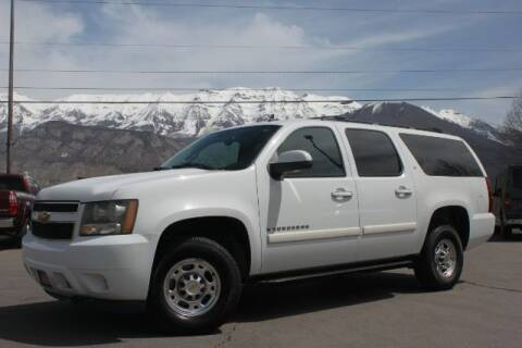 2007 Chevrolet Suburban for sale at REVOLUTIONARY AUTO in Lindon UT