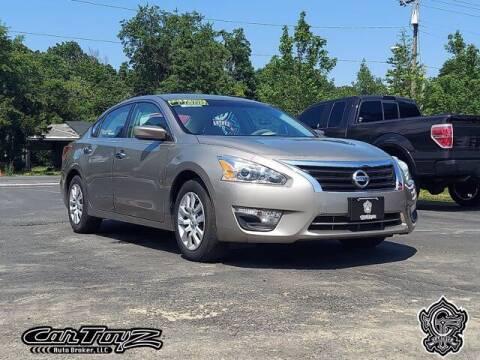 2013 Nissan Altima for sale at Distinctive Car Toyz in Pleasantville NJ