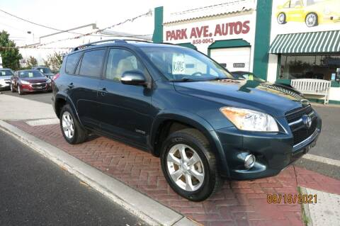 2009 Toyota RAV4 for sale at PARK AVENUE AUTOS in Collingswood NJ