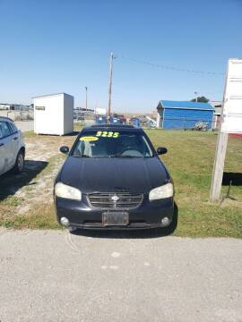 2000 Nissan Maxima for sale at P & T SALES in Clear Lake IA