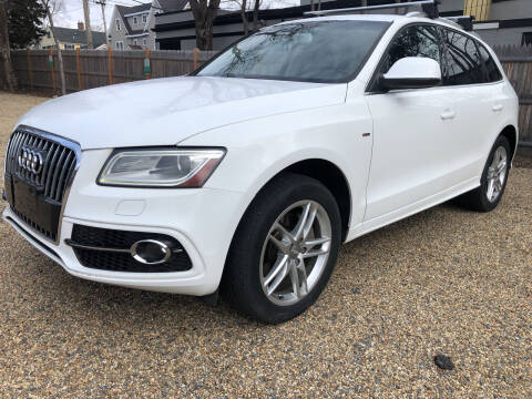 2013 Audi Q5 for sale at Beverly Farms Motors in Beverly MA