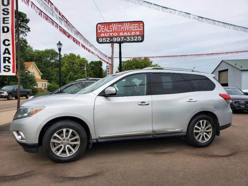 2014 Nissan Pathfinder for sale at Dealswithwheels in Inver Grove Heights MN