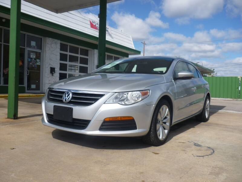 2012 Volkswagen CC for sale at Auto Outlet Inc. in Houston TX
