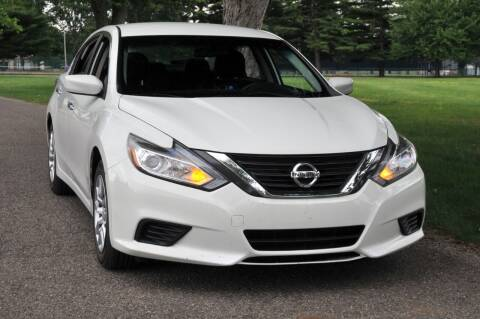 2016 Nissan Altima for sale at Auto House Superstore in Terre Haute IN