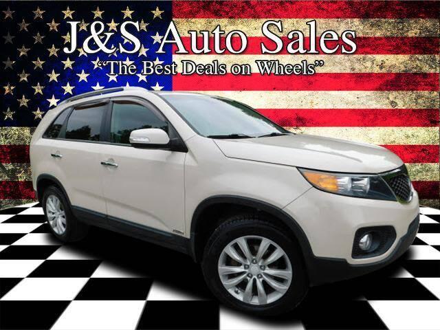2011 Kia Sorento for sale at J & S Auto Sales in Clarksville TN