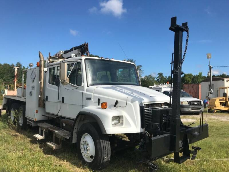 2001 Freightliner FL80 for sale in New Caney, TX