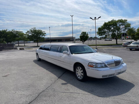 2003 Lincoln Town Car for sale at Anthony's Car Company in Racine WI