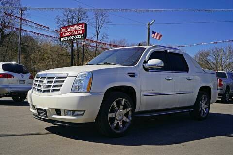 2011 Cadillac Escalade EXT for sale at Dealswithwheels in Inver Grove Heights/Hastings MN