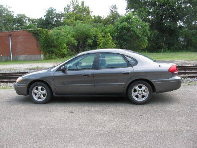 2004 Ford Taurus for sale at TRAIN STATION AUTO INC in Brownsville PA