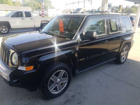 2007 Jeep Patriot for sale at SpringField Select Autos in Springfield IL