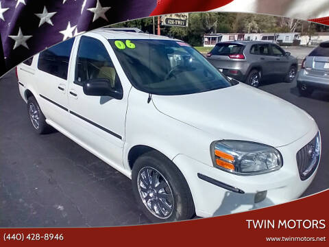 2005 Buick Terraza for sale at TWIN MOTORS in Madison OH