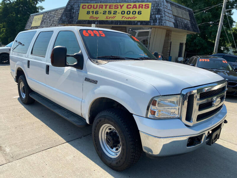 2005 Ford Excursion for sale at Courtesy Cars in Independence MO