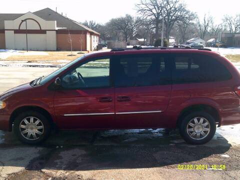 2005 Chrysler Town and Country for sale at D & D Auto Sales in Topeka KS
