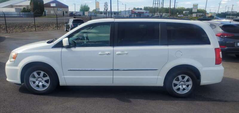 2018 Dodge Grand Caravan for sale at PremierMotors INC. in Milton Freewater OR