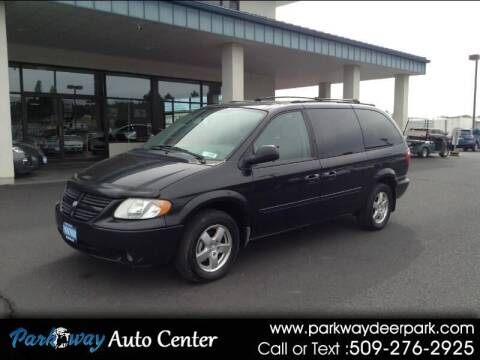 2005 Dodge Grand Caravan for sale at PARKWAY AUTO CENTER AND RV in Deer Park WA