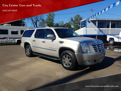 2007 Cadillac Escalade ESV for sale at City Center Cars and Trucks in Roseburg OR