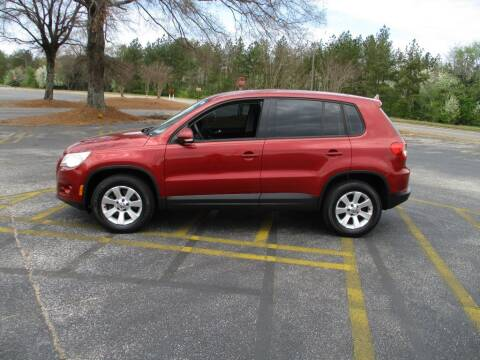 2009 Volkswagen Tiguan for sale at A & P Automotive in Montgomery AL