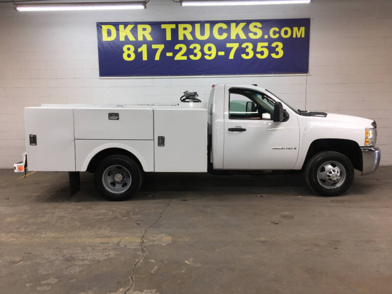 2009 Chevrolet Silverado 3500HD CC for sale at DKR Trucks in Arlington TX