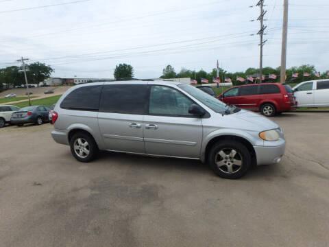 2005 Dodge Grand Caravan for sale at BLACKWELL MOTORS INC in Farmington MO