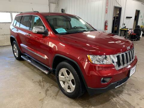 2013 Jeep Grand Cherokee for sale at Premier Auto in Sioux Falls SD