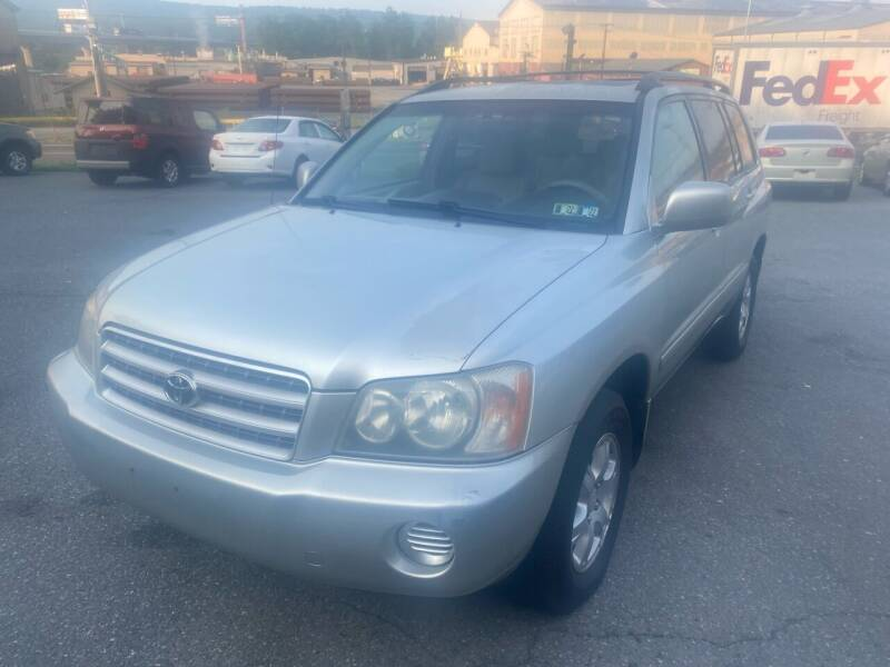 2003 Toyota Highlander for sale at YASSE'S AUTO SALES in Steelton PA