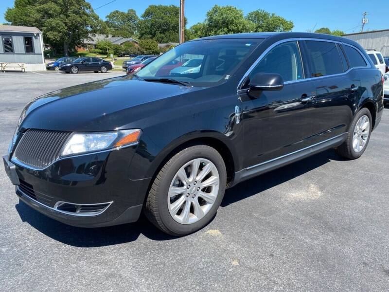 2016 Lincoln MKT for sale at Modern Automotive in Boiling Springs SC