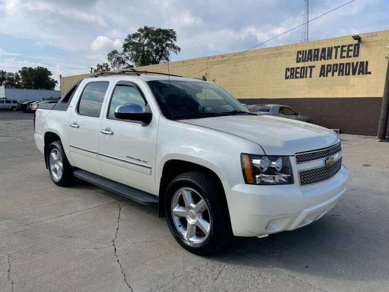 2009 Chevrolet Avalanche for sale at City Auto Sales in Roseville MI