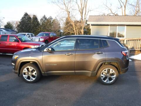 2019 Jeep Compass for sale at Dave's Car Corner in Hartford City IN