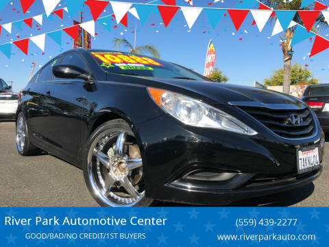 2013 Hyundai Sonata for sale at River Park Automotive Center in Fresno CA