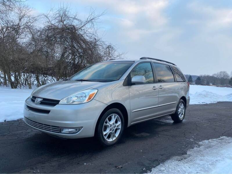 2005 Toyota Sienna for sale at Moundbuilders Motor Group in Heath OH