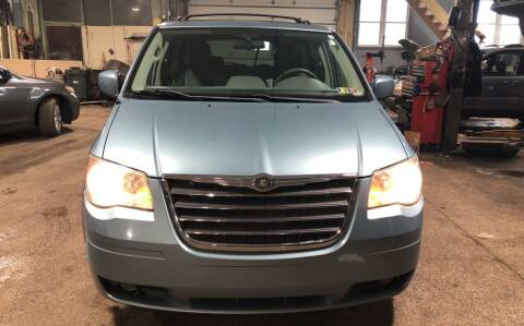 2009 Chrysler Town and Country for sale at Six Brothers Auto Sales in Youngstown OH