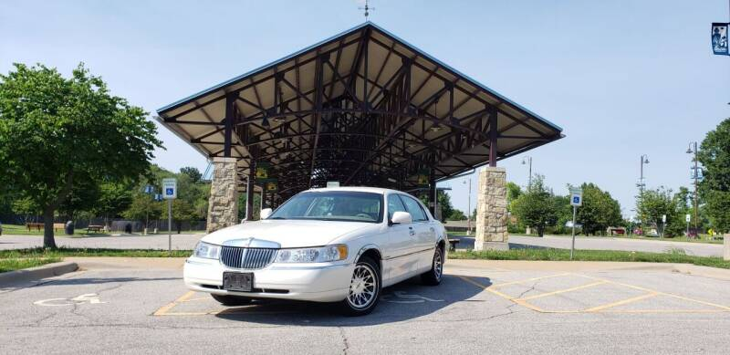 2001 Lincoln Town Car for sale in Merriam, KS