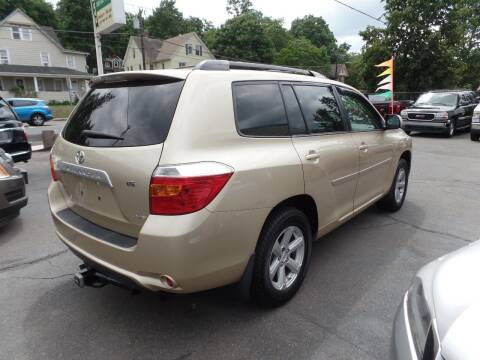 2008 Toyota Highlander for sale at CAR CORNER RETAIL SALES in Manchester CT