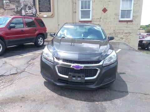 2014 Chevrolet Malibu for sale at Discovery Auto Sales in New Lenox IL