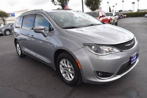2020 Chrysler Pacifica for sale at DIAMOND VALLEY HONDA in Hemet CA