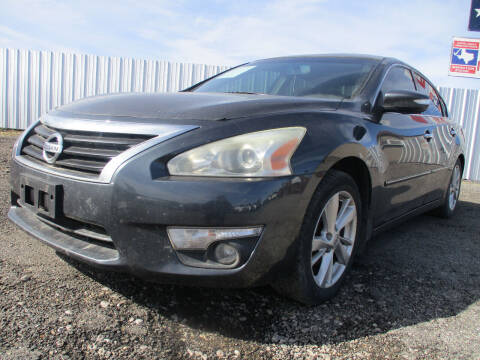 2013 Nissan Altima for sale at Texas Country Auto Sales LLC in Austin TX